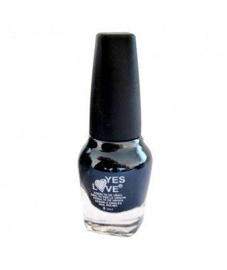 Esmalte de uñas negro