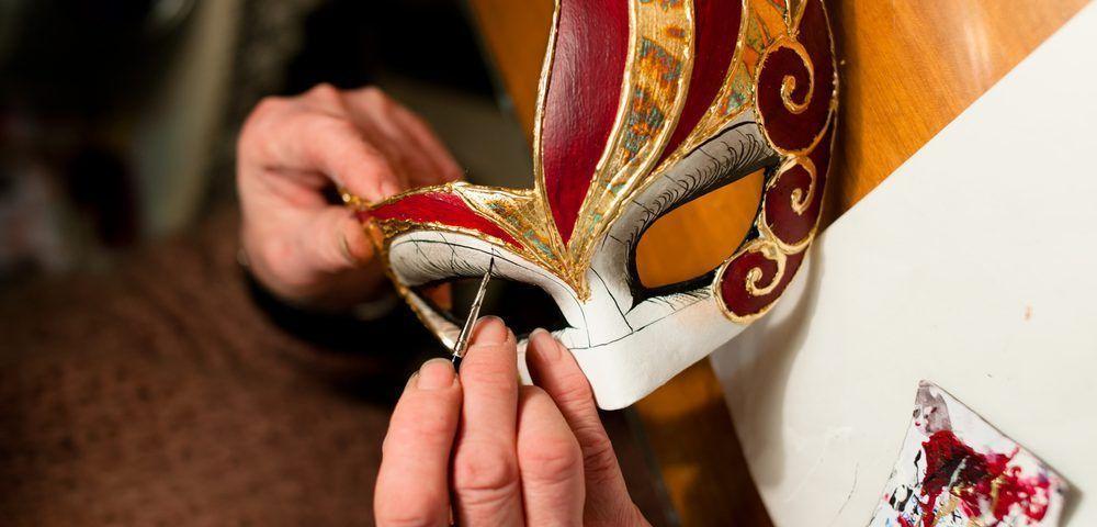 mascara carton para pintar