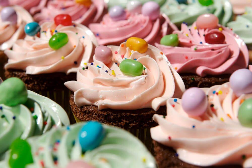 Recetas cupcakes faciles para niños crema toppings